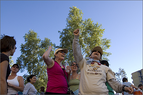 Event photography - Cheering before starting Rock and Stroll, Tucson, Arizona